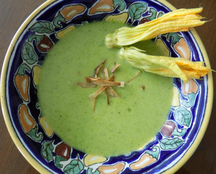 zupa-na-zimno-z-awokado