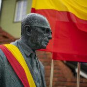 Zachwatowicz Statue Unveiled