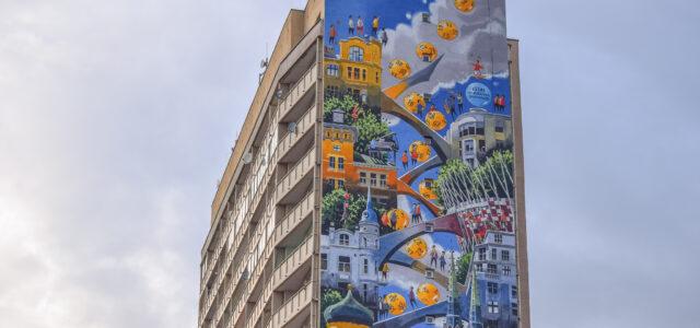 Praga Mural Thrills Public